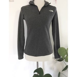 North Face Classic Partial Zip Up Fleece Sweater